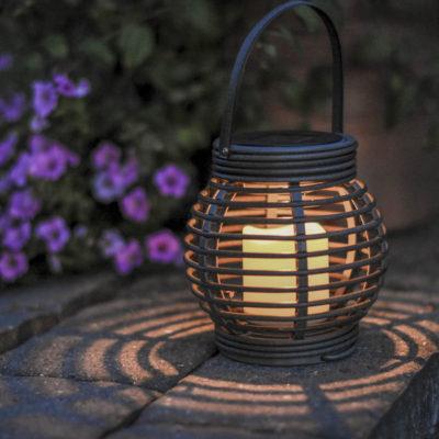 Lampion ogrodowy z panelem słonecznym ROTANG SOLAR